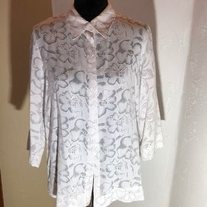 SagHarbor sexy white & black flower line blouse